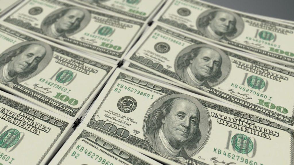 アメリカ株100ドル札
